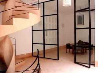 Riad Marrakech Fenêtres & Portes modernes par Pauline Girardot Moderne