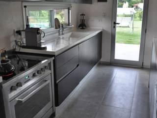 PROJECT WAS DELETED!: Cocinas de estilo clásico por Baltera Arquitectura