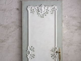 Foglie door:  in stile  di PORTE ITALIA INTERIORS