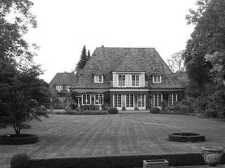 Villa in Othmarschen: modern  von Andreas Edye Architekten,Modern