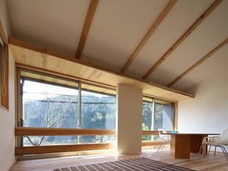 Minimalistische woonkamers van C-design吉内建築アトリエ Minimalistisch