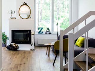 Eclectic style living room by INSPACE Eclectic