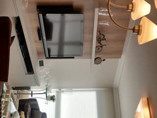 Apartamento Salas de estar modernas por Daniela Coutinho Arquitetura e Interiores Moderno