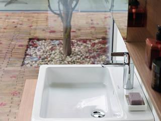 Minimalist bathroom by Duravit España Minimalist