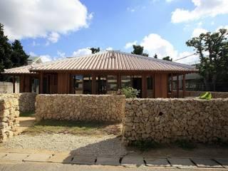 全景: シンクロアーキテクツ一級建築士事務所が手掛けたレストランです。
