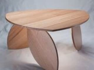 Leaning Leaf Table. Duncan Meerding Living roomSide tables & trays