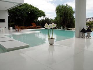 Modern Pool by PARQUEARTE Piscinas como iconos de diseño. Modern