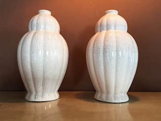 Vasi craquele Pair of Vases in craquele:  in stile  di Galleria Michel Leo