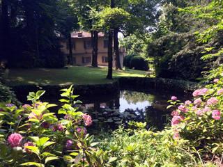 Lo specchio d'acqua Giardino classico di Ginkgo Giardini Classico