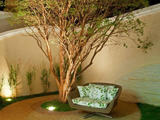 Garden by Arquiteto Aquiles Nícolas Kílaris