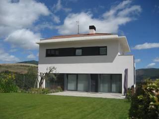 Дома в . Автор – Estudio A. Devalle-Granell Arquitectura., Модерн