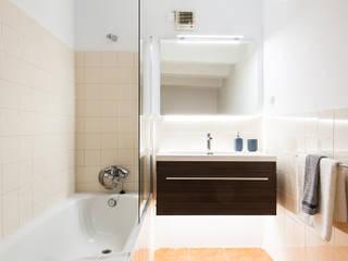 Salle de bains de style  par Markham Stagers