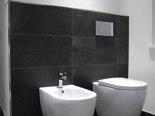 Appartamento Black and white:  in stile  di Alessandro Jurcovich Architetto