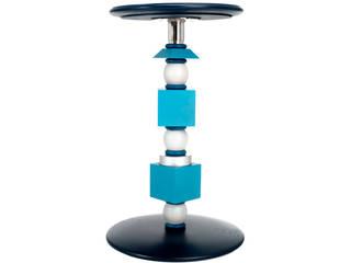 Totem - Design by Rita Rijillo di Crjos Design Milano Moderno