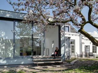 Jardines de invierno de estilo moderno de op ten noort blijdenstein architecten Moderno