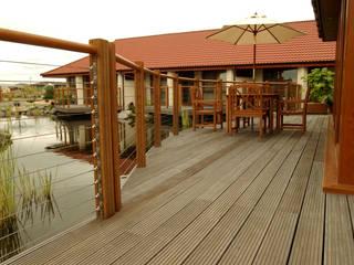 Decking Projects Jardin classique par Russwood - Flooring - Cladding - Decking Classique