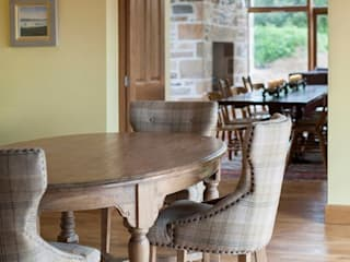 Brushed Oak flooring from Russwood:  Dining room by Russwood - Flooring - Cladding - Decking