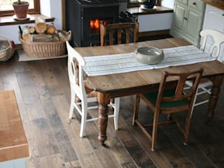 Solid, Engineered & Parquet Oak Flooring Rustic style kitchen by Russwood - Flooring - Cladding - Decking Rustic