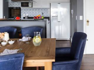 Apartamento LPGC Salas de jantar rústicas por Juliana Damasio Arquitetura Rústico