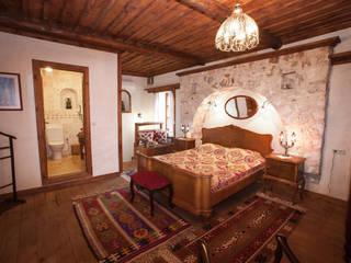 Śródziemnomorska sypialnia od Hoyran Wedre Country Houses Śródziemnomorski