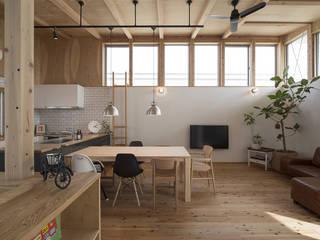 西庇の家: 株式会社建楽設計が手掛けたリビングです。