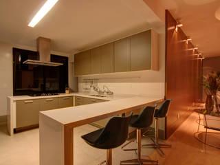 ห้องครัว by ÓBVIO: escritório de arquitetura