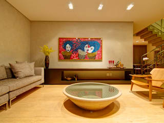 Living room by ÓBVIO: escritório de arquitetura
