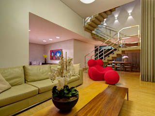 Modern Oturma Odası ÓBVIO: escritório de arquitetura Modern