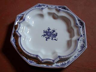 Quelques pièces de faïence traditionnelle de Samadet, autour de la table ! par L' Atelier de Faïences de Muriel Classique