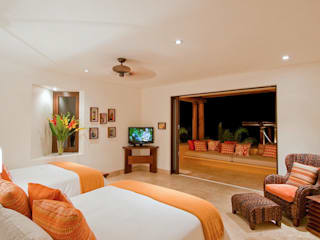 BR ARQUITECTOS Tropical style bedroom