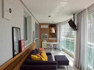 Lote 21 Arquitetura e Interiores Balcones y terrazas de estilo ecléctico
