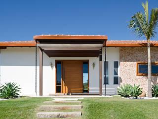 NOMA ESTUDIO Rustic style houses
