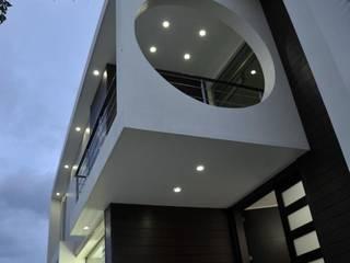 Casas minimalistas por CONSASUR ARCHITECTURE STUDIO Minimalista
