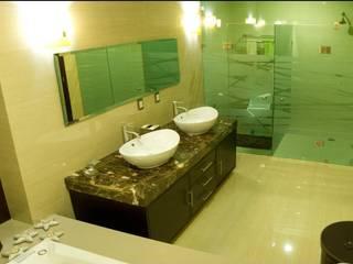 Banheiros minimalistas por CONSASUR ARCHITECTURE STUDIO Minimalista