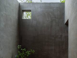 奈坪の家 / House in Natsubo: 水野純也建築設計事務所が手掛けたテラス・ベランダです。