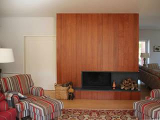 غرفة المعيشة تنفيذ Germano de Castro Pinheiro, Lda, ريفي