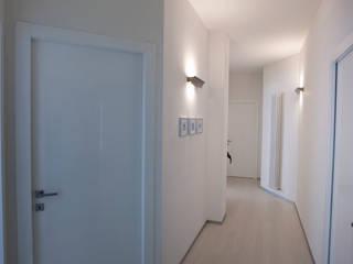 ACA0006: Ingresso & Corridoio in stile  di ACA19 Claudio Attorresi