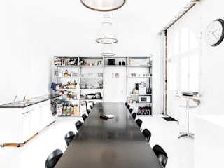 Hauptsitz Dost, Schaffhausen Minimalistische Bürogebäude von Dost Minimalistisch