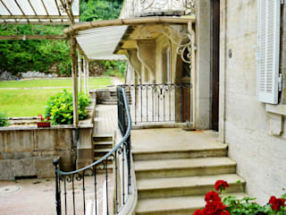 Classic style balcony, veranda & terrace by le songe du miroir photographe Classic