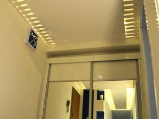 ROAS Mimarlık Corridor, hallway & stairsClothes hooks & stands