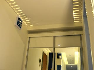 ROAS Mimarlık 玄關、走廊與階梯衣架與掛勾