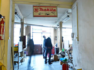 Transformation d'un atelier d'artisan en loft duplex par le songe du miroir photographe Moderne