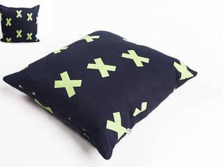 poduszka lniana navy blue od Leżę i Pachnę Skandynawski