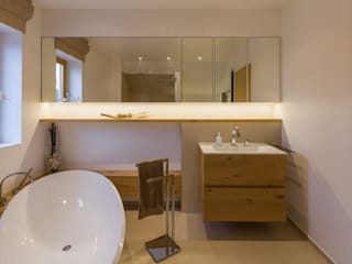 dieMeisterTischler Modern style bathrooms