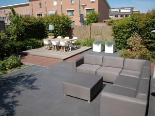 Jardines de estilo moderno de Biesot Moderno