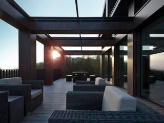 "EFH - ""SOLAR PUZZLE"":  Terrasse von SimmenGroup Holding AG"