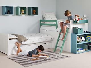 Flexible sleeping combinations for tight spaces:   by Nubie Kids