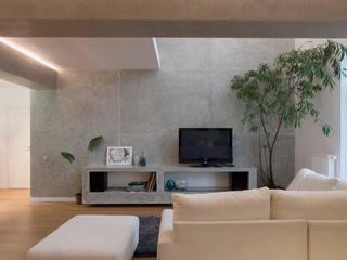Трехуровневая квартира: Гостиная в . Автор – Despace