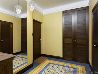 Ольга Кулекина - New Interior Colonial style corridor, hallway& stairs Yellow