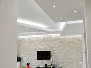 MoLo house: Soggiorno in stile  di Salvatore Nigrelli Architetto